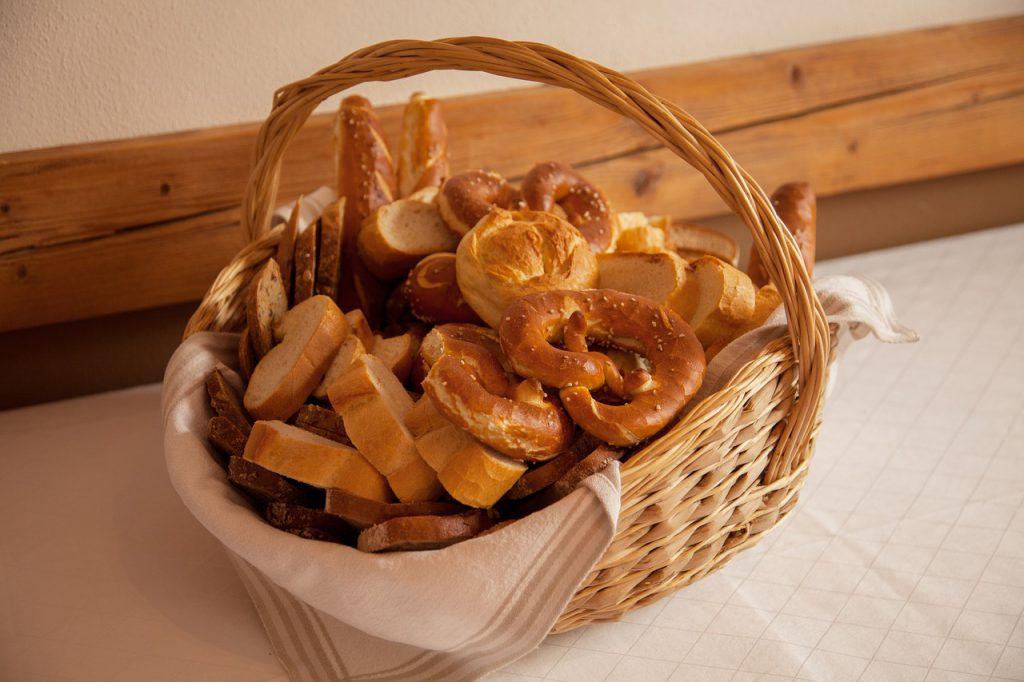 breakfst breadbasket