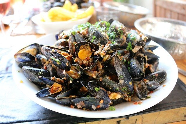 A delicious dish of mussels